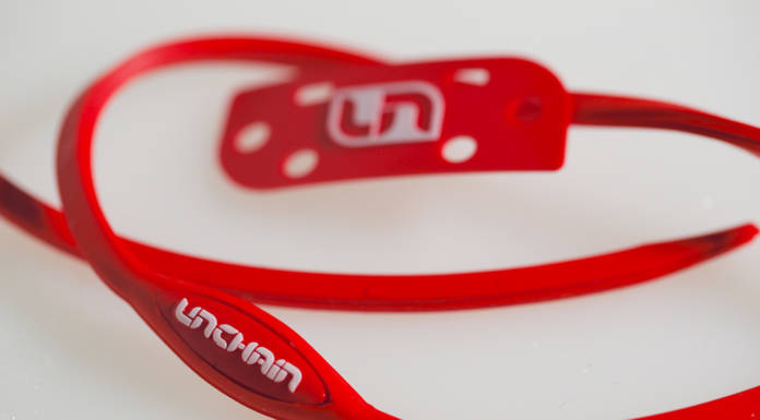 UNCHAIN ROUGE 19,95 euro
